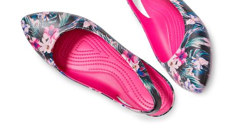 Chaussures Eve à brides arrière et à motifs de Crocs pour femmes